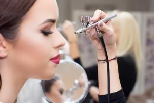 Maquillaje con aerógrafo (Edición 1)